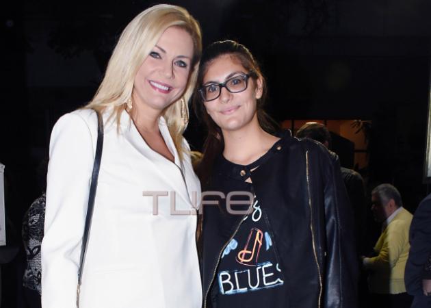 Έμη Λιβανίου: Στο θέατρο με την κόρη της!