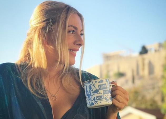 Σμαράγδα Καρύδη: Η πρεμιέρα της εκπομπής της, οι σέξι πόζες με τα εσώρουχα και η προσωπική ευτυχία!