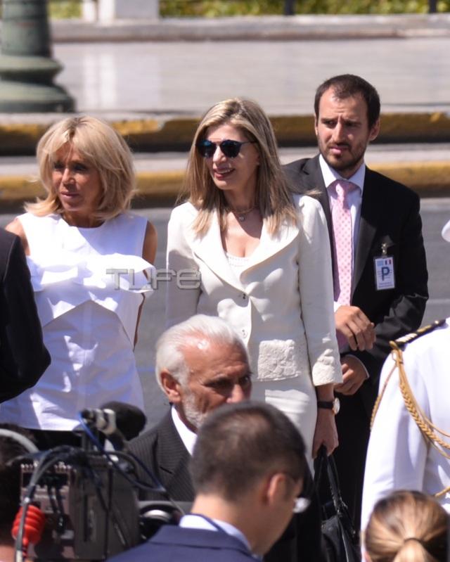 vuitton7 - Μπριζίτ Τρονιέ: H κομψή και λιτή εμφάνιση στην Αθήνα και αγαπημένη της Louis Vuitton τσάντα! - επισκεψη, ελλάδα, Macron