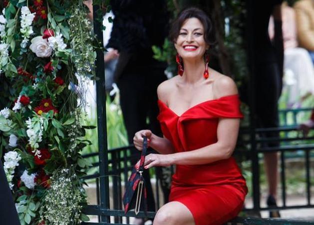 Δωροθέα Μερκούρη: Ποζάρει ολόγυμνη στον καναπέ της! [pic]