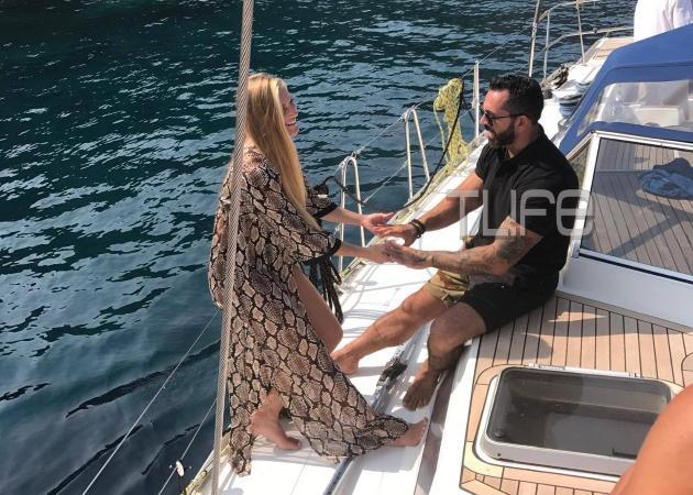 Tι κάνει ο Μπο με την Σάρα Εσκενάζυ σε σκάφος στη Μήλο; [pics]