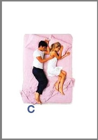 src=/files/Image/SxeseisKaiSex/2014/LOVEQUIZ/couples_sleeping_positions_3.jpg