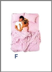 src=/files/Image/SxeseisKaiSex/2014/LOVEQUIZ/couples_sleeping_positions_6.jpg