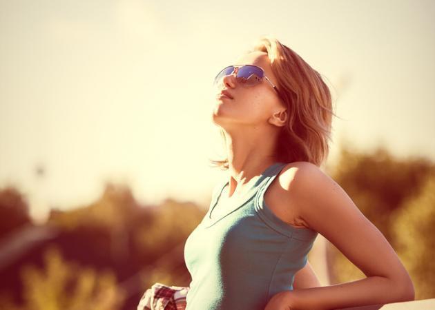 Αποτέλεσμα εικόνας για Οι γυναίκες μπορούν να… μυριστούν τον αγαπημένο τους!