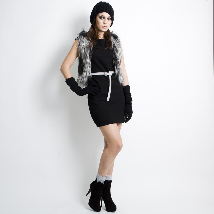 Δες εδώ 5 διαφορετικούς τρόπους για να φορέσεις το ίδιο φόρεμα! Κάνε κλικ  πάνω στη κάθε φωτογραφία για να δεις τις τιμές αλλά και που θα βρεις όλα τα  ... 6c59944d697