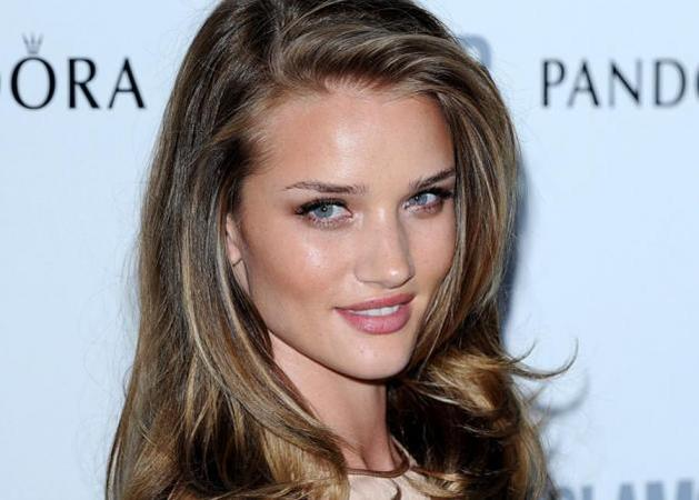 Rosie Huntington-Whiteley: Το νέο hot πρόσωπο του Hollywood