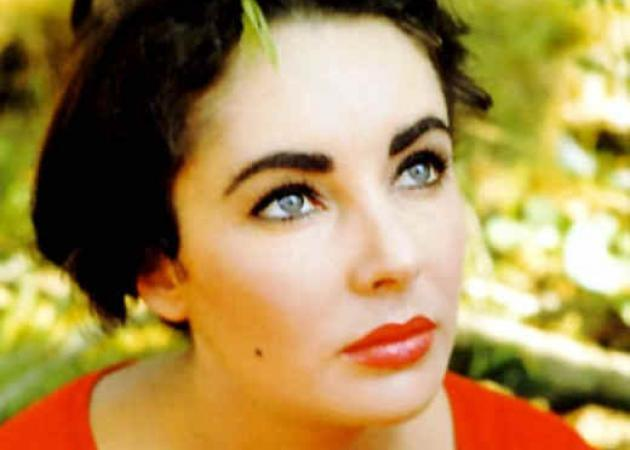 Elisabeth Taylor: The Sparkling Fashion Icon
