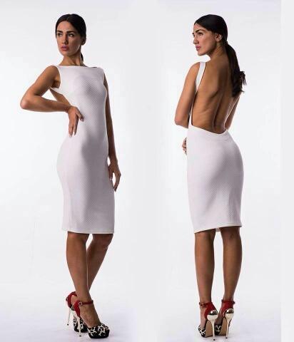 Επειδή το φόρεμά σου έχει sexy cut προτίμησε τα καφέ sexy πέδιλα στιλέτο  και απόφυγε τις γόβες που έχουν στρογγυλή μύτη και κάνουν πιο girly. b0b6b6e5302