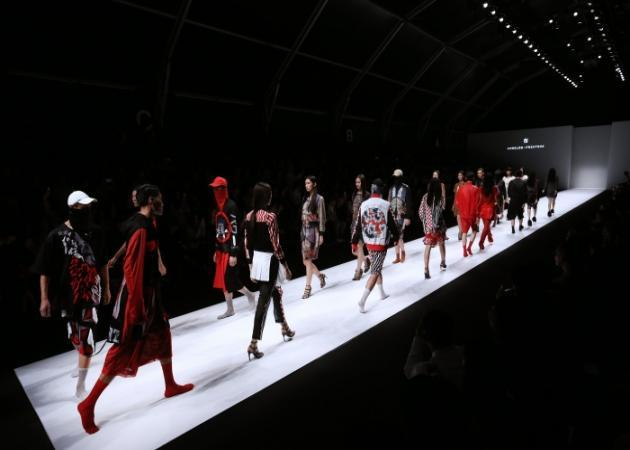 Ο Angelos Frentzos o πρώτος Έλληνας designer στο Shanghai Fashion Week