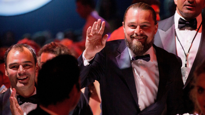src=/files/Image/fashion/2015/MAY/24-5/leonardo-dicaprio-cannes-amfar-gala.jpg