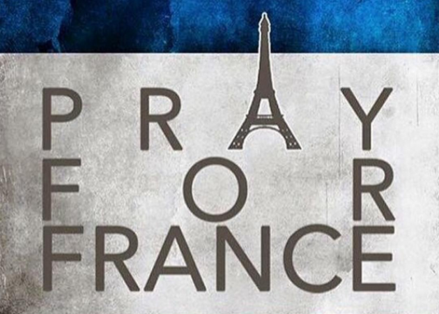 Pray for Paris: O κόσμος της μόδας στέλνει τις προσευχές του στην πρωτεύουσα της μόδας