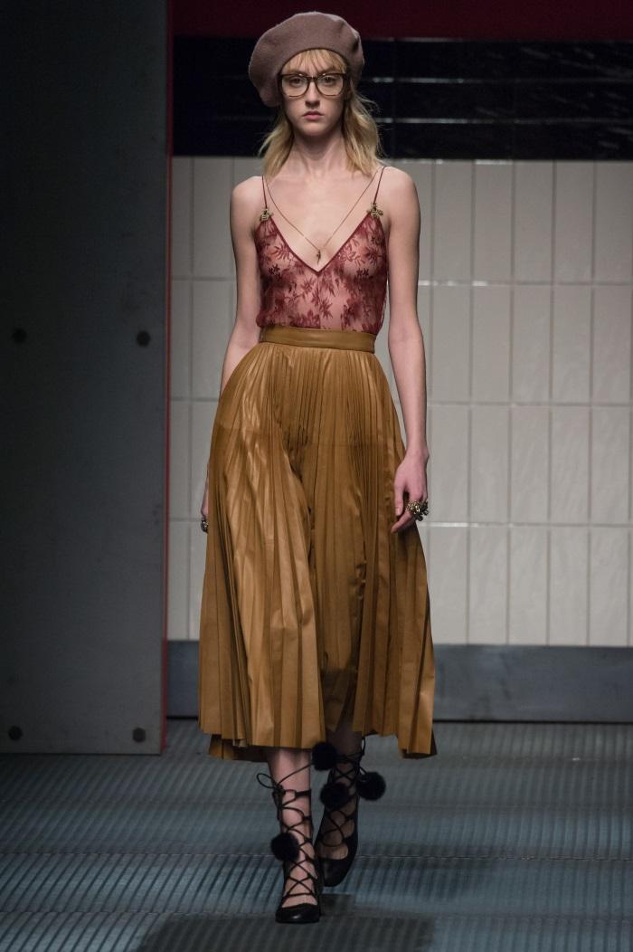 Τάσεις  Ποιες φούστες πρέπει να φορέσεις φέτος! - TLIFE c8a15aeb358