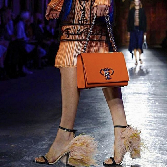 src=/files/Image/fashion/2015/SEPTEMBER/25-9/pucci/e4.png