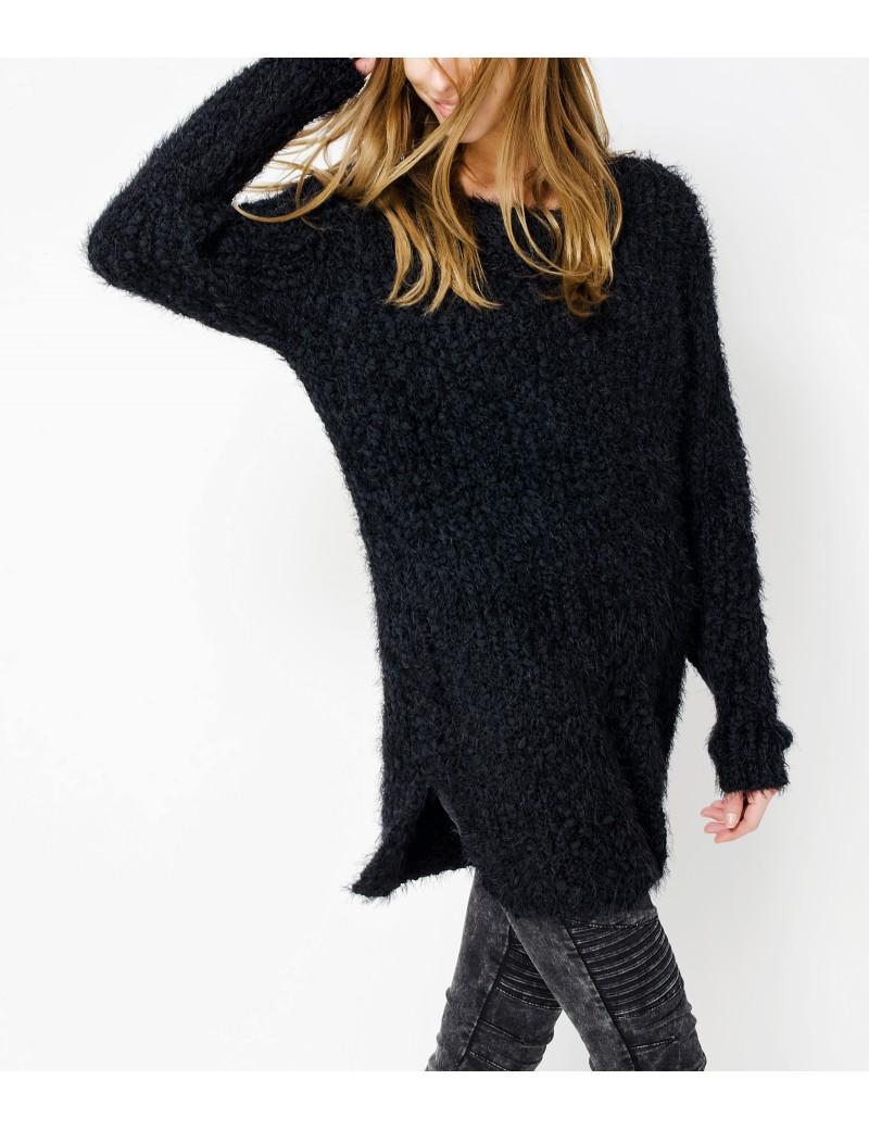 5bbf0422ff9d Σου βρήκαμε το τέλειο μαύρο πουλόβερ! - TLIFE