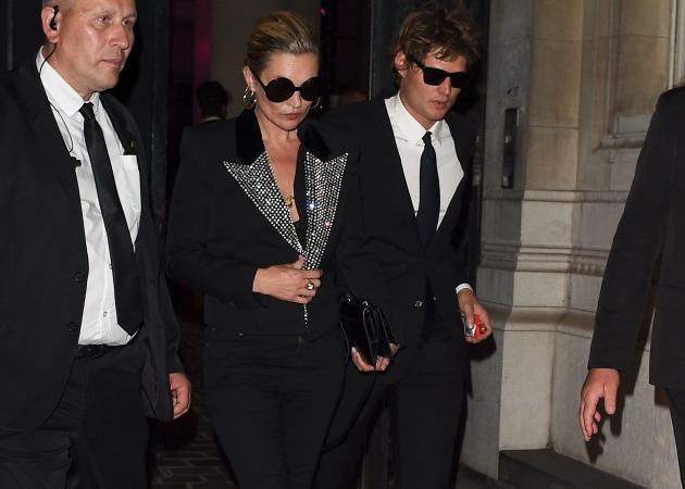 Οι διάσημες σε fashion party. Δες τα εντυπωσιακά looks!