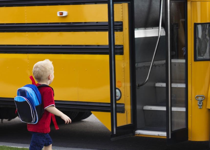 Σχολικό λεωφορείο: 4 κανόνες που πρέπει να γνωρίζουν τα παιδιά για τη μετακίνησή τους | tlife.gr