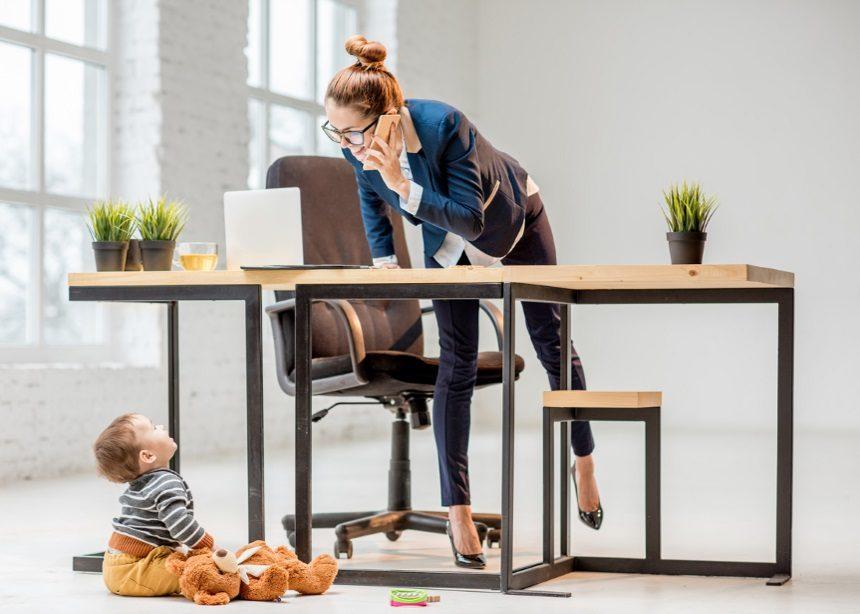 Μητέρα, εργαζόμενη ή σύντροφος; Πώς θα ισορροπήσεις τους τρεις τομείς της ζωής σου! | tlife.gr