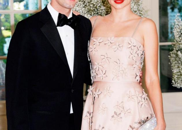 Πασίγνωστο μοντέλο ενώθηκε με τα δεσμά του γάμου με τον εκατομμυριούχο σύντροφό του!