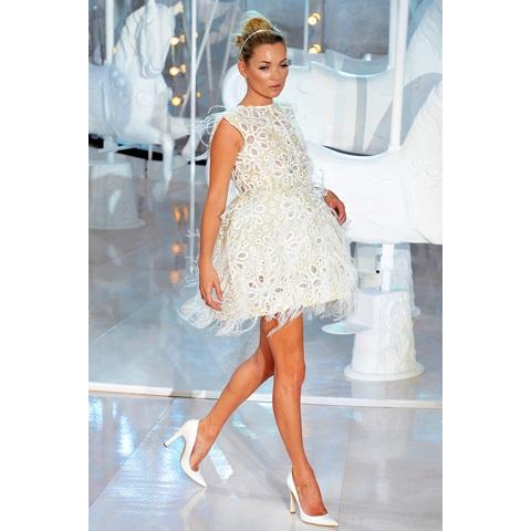 11 | Μοντέλο στην πασαρέλα για τη Louis Vuitton συλλογή για το Φθινόπωρο / Χειμώνα 2012/2013