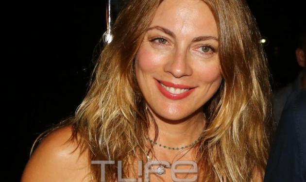 Σμαράγδα Καρύδη: Άλλαξε χρώμα στα μαλλιά της! Φωτογραφίες | tlife.gr