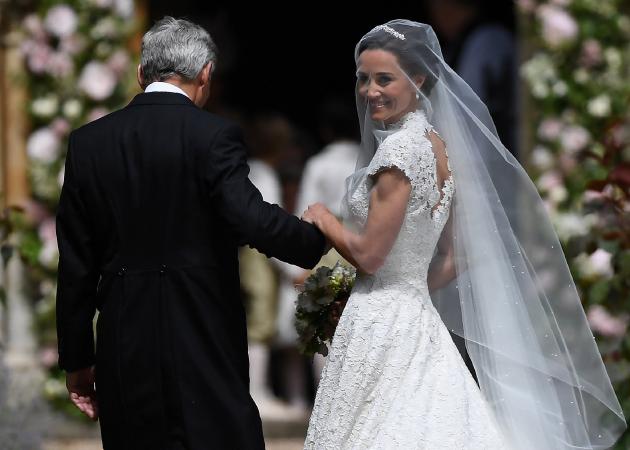 Η Pippa Middleton παντρεύτηκε: Όλες οι λεπτομέρειες για το παραμυθένιο νυφικό της | tlife.gr