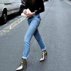 Το styling που θα σου επιτρέψει να φορέσεις τα metallic shoes το πρωί 482282b4ef1