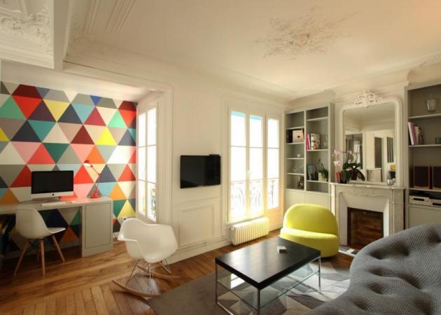 Διακόσμηση: Από το Παρίσι με… πολύ χρώμα! Ένα διαμέρισμα στη Μέκκα της μόδας και του στιλ!
