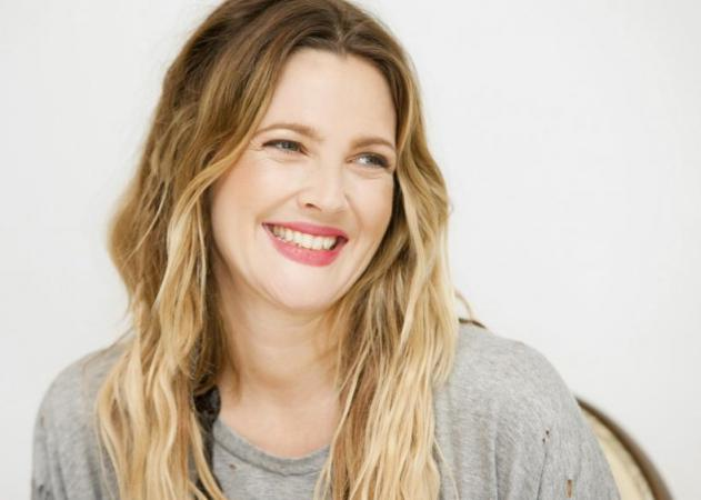 Τι έπαθε το πρόσωπο της Drew Barrymore | tlife.gr