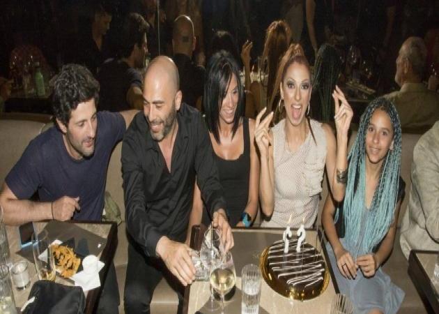 Ματθίλδη Μαγγίρα: Γιόρτασε τα γενέθλιά της με την κόρη της και καλούς φίλους! Φωτογραφίες | tlife.gr