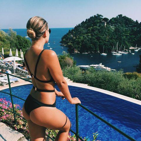 14 | Natasha Oakley