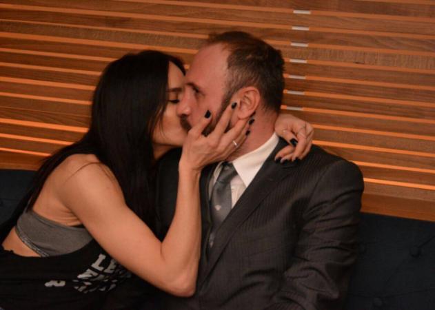 Νικολέττα Καρρά: Τρυφέρα ενσταντανέ με τον σύζυγό της σε βραδινή έξοδο! [pics] | tlife.gr