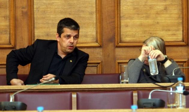 """Στην Ευελπίδων ο βουλευτής της Χ. Αυγής Σ. Μπούκουρας – """"Ήρθα να θέσω εαυτόν στη διάθεση της Δικαιοσύνης"""""""