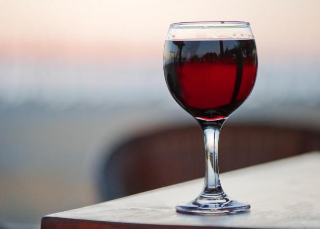 Να σηκώσει το χέρι της όποια θέλει να κάνει μπάνιο με… κρασί! | tlife.gr