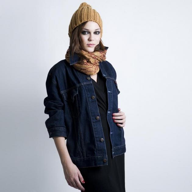 44d7eb05e4a4 Styling Tips  Πως να φορέσεις το μικρό μαύρο φόρεμα το πρωί! - TLIFE