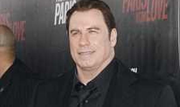 O J. Travolta φανερά αδυνατισμένος! Μήπως φταίει το μωρό; | tlife.gr