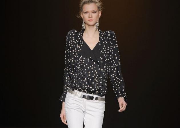 Κι όμως, η φετινή μόδα προτείνει λευκό παντελόνι και το χειμώνα!