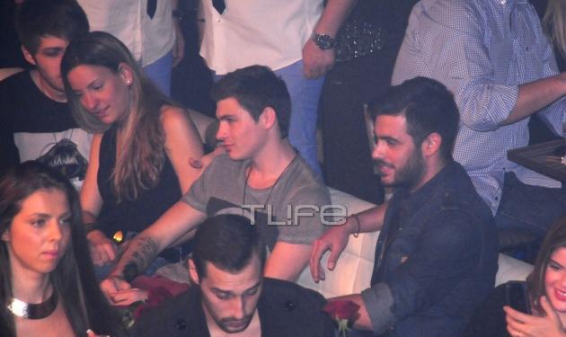 Ε. Κούρκουλου: Πού διασκέδασε χθες βράδυ με τον Κ. Μαρτάκη και τον σύντροφό της;