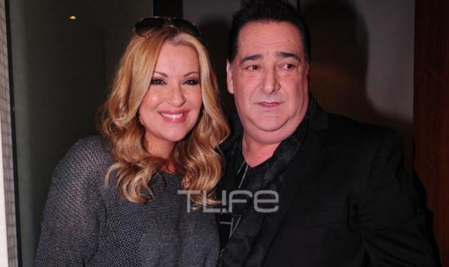 Β. Καρράς: Διάσημοι καλεσμένοι στην απονομή του πολυπλατινένιου άλμπουμ του! Φωτογραφίες | tlife.gr