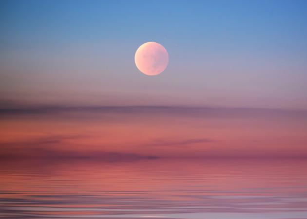 Πανσέληνος και Έκλειψη Σελήνης! Πώς επηρεάζει το ζώδιό σου; Τι πρέπει να προσέξεις; | tlife.gr