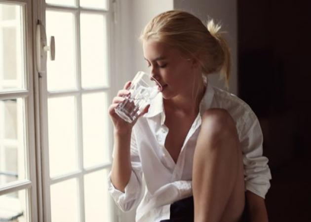 Λίπος και φούσκωμα στην κοιλιά! Τι να πιεις για να το εξαφανίσεις | tlife.gr