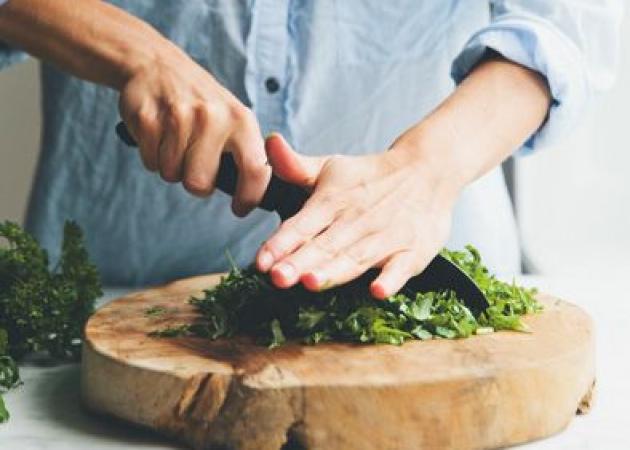 Τα υλικά που πρέπει να προσθέσεις στη σαλάτα σου για να νιώθεις χορτάτη και να αδυνατίσεις!   tlife.gr