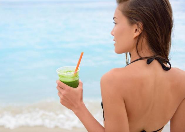 Smoothie για επίπεδη κοιλιά πριν την παραλία! | tlife.gr