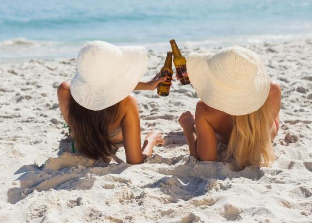 Tips για να απαλαχθείς από το φούσκωμα που σου προκαλεί η μπύρα
