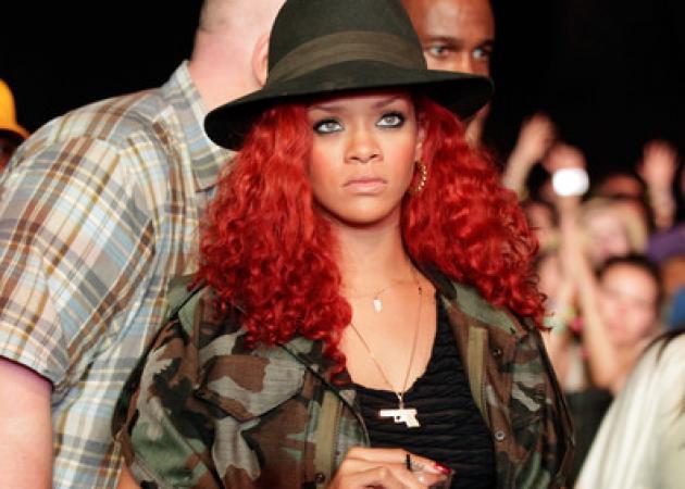 «Under my Coachela» H Rihanna φεστιβαλίζεται | tlife.gr