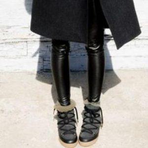 Ο πιο cool τρόπος να φορέσεις τις snow boots μέσα στην πόλη 96f32243537