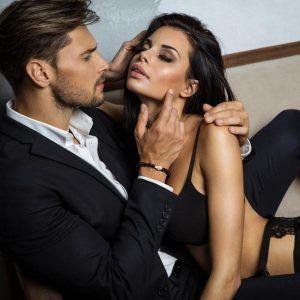 Το ανδρικό αξεσουάρ που θα αλλάξει την ερωτική σου ζωή!