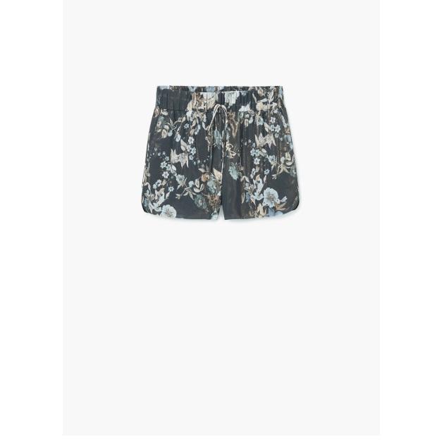 9   Shorts Mango