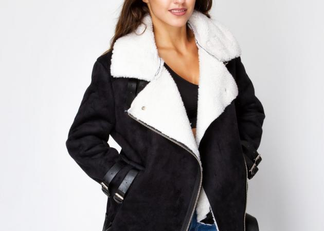 Μαύρο jacket με sheepskin λεπτομέρειες: Φόρεσε την τάση!