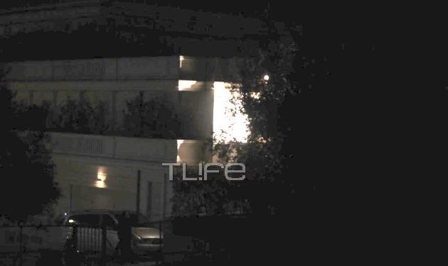 Φωτορεπορτάζ TLIFE: Όλα όσα έγιναν χθες βράδυ μετά την έκρηξη στο σπίτι Τσάκου – Κριθαριώτη | tlife.gr