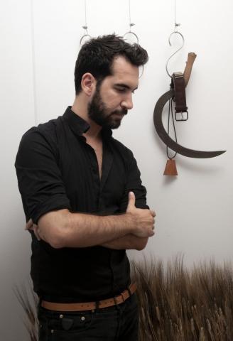 Είναι ο Δημήτρης Πέτρου το μέλλον της ελληνικής μόδας… οr what;   tlife.gr